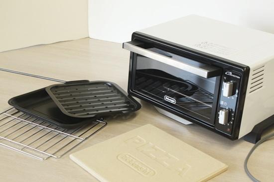 省スペースで本格石焼きピザが焼ける 世界最小デロンギミニコンベクションオーブン