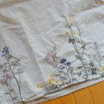 サニークラウズ『春の野花刺しゅう』のトップス